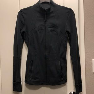 Define Jacket with thumb holes